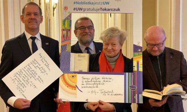 UW gratuluje Oldze Tokarczuk